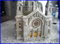 2001 CATHEDRAL OF SAINT PAUL (Christmas In the City), READ