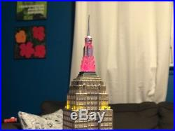 2003 Department 56 Christmas in the City Empire State Building Lights Up! NYC