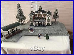 Christmas in the City Grand Central Railway, Accessories, FREE Custom Platform