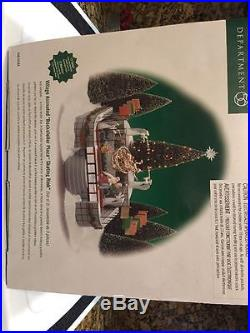 Dept 56 Christmas In The City Rockefeller Plaza Skating Rink Gently Used