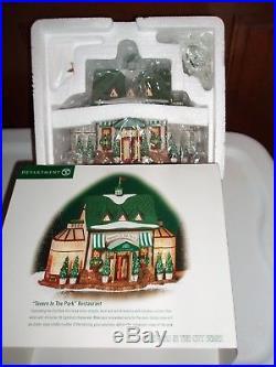 DEPT 56 CHRISTMAS IN THE CITY TAVERN IN THE PARK RESTAURANT NIB Still Sealed