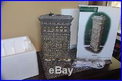 DEPT 56 FLATIRON VILLAGE XMAS CITY 56.59260 BUILDING RARE GREAT CONDITION