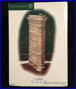 Department 56 Christmas In The City Flatiron Building #59260. Never Displayed