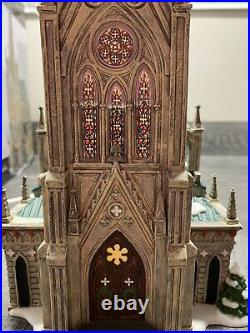 Department 56 Christmas in the City. Cathedral Of St. Nicholas. Brand New! Rare
