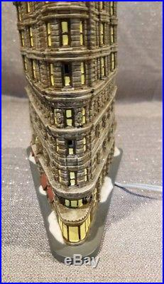 Department 56 Christmas in the City FLATIRON BUILDING Retired 2006 EUC