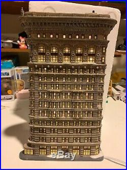 Department 56 Christmas in the City New York NYC Flatiron Building #59260 In Box