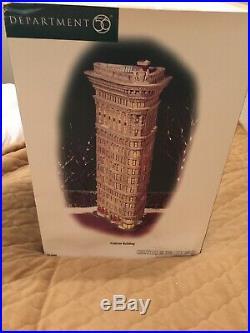 Department 56 Christmas in the City New York NYC Flatiron Building #59260 NIB