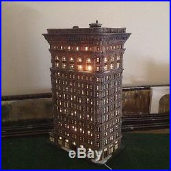 Department 56 Flat Iron Building #59260 Christmas in the City
