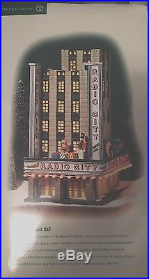 Department 56 Radio City Music Hall 58924 Retired! / Mint