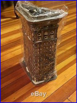 Dept 56 Christmas In The City-Flatiron Building- #59260 NEW