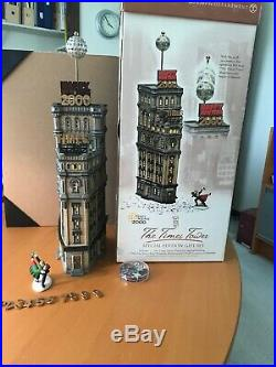 Dept. 56 Christmas In The City The Times Tower Special Edition Gift Set