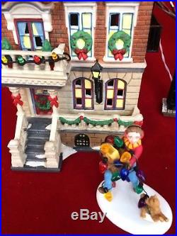 Dept 56 Christmas in the City Parkside Holiday Brownstone