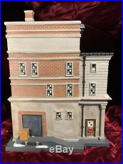 Dept 56 Dayfields Department Store, Christmas in the City Series, NEW