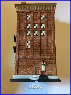 Dept 56 Ferrara Bakery & Cafe Christmas In The City Mint Battery Powered