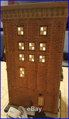 Rare Department 56 Christmas in the City Series Ferrara Bakery & Cafe 56.59272